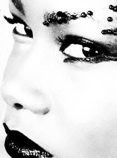 avant garde makeup black & white photography www.smudgedprntz.com
