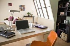 One of the keys to college success is knowing how to get and stay organized as a student