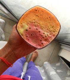 Green apple carrot pomegranate juice