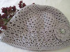 Eplabiter - Hat crochet with flower Heklet lue m/blomst. http://epla.no/shops/bentestingogtang/