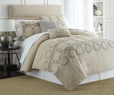Crea un espacio agradable con este edredón Matrimonial/Queen size contemporáneo, su diseño es tan hermoso que dará un aire de renovación a tu hogar. Tu cama se verá tan linda que una vez que lo pongas no la dejarás de verla.