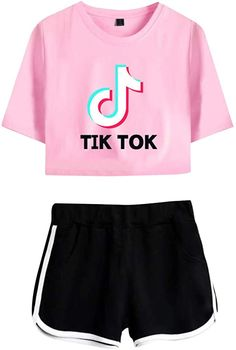 Crop Top Hoodie, T Shirt And Shorts, Little Girl Outfits, Cute Outfits For Kids, Cute Casual Outfits, Girls Fashion Clothes, Teen Fashion Outfits, Cute Fashion, Jugend Mode Outfits