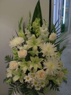 http://www.unny.com beautiful funeral flowers arrangement for montreal delivery Easter Flower Arrangements, Artificial Floral Arrangements, Funeral Flower Arrangements, Rose Arrangements, Beautiful Flower Arrangements, Altar Flowers, Church Flowers, Funeral Flowers, Memorial Flowers