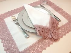 White Placemats, Linen Placemats, Personalised Placemats, Diy Couture, Napkin Folding, Table Arrangements, Everything Pink, Napkin Rings, Tablescapes