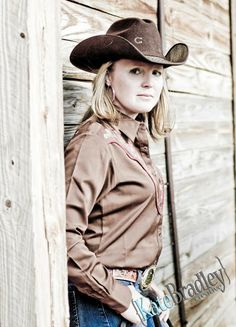 This is one tough cowgirl! | Kate Bradley Creative: Photography