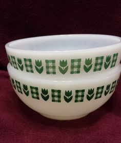 Two Termocrisa Milk Glass Bowls Chili Cereal Tulip Gingham Pattern Vintage