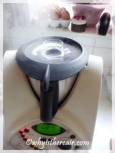 Thermomix Tips and Tricks: Stop Liquids from Boiling Over. There are times when . - Thermomix Tips and Tricks: Stop Liquids from Boiling Over. There are times when your Thermomix bowl - Steam Recipes, Hot Soup, Recipe Collection, Kitchen Accessories, Cooking Tips, Bubbles, Asparagus, Nom Nom, Hacks