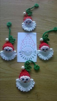 Image detail for -Santa Crochet Doily Centrinho Papai Noel 4 pinkrosecrochet. Crochet Christmas Decorations, Crochet Ornaments, Christmas Crochet Patterns, Holiday Crochet, Crochet Snowflakes, Christmas Applique, Crochet Decoration, Santa Ornaments, Christmas Knitting