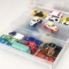 お家中に散らばったおもちゃ!その中でも、レゴ・ミニカーなどの細々したおもちゃの収納って、難しいですよね。頭を抱えている方も、多いのではないでしょうか。今回は、インスタグラムで見つけた細々おもちゃの収納術をご紹介します!100均のアイテムや無印良品のアイテムなどを収納に使われているので、すぐにマネできちゃいますよ♡ Cool Stuff, Toys, Storage Ideas, Activity Toys, Organization Ideas, Toy, Storage