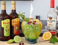 Skull Island Cocktail - For more delicious recipes and drinks, visit us here: www.tipsybartender.com