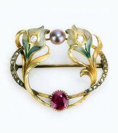 Art Nouveau Plique-à-jour, Diamond and Pearl Brooch. Stunningly Unique.