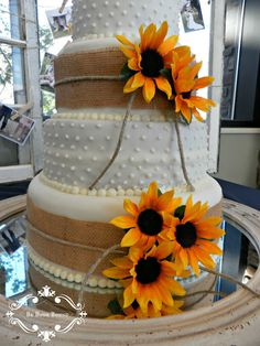 Wedding Cake... Instead of the white dots, rhinestone gems? To bring in my country princess...