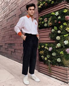 Kinda like my outfit but these pants are choking me out Dollan Twins, Cute Twins, Ethan And Grayson Dolan, Ethan Dolan, Brooklyn And Bailey, Twin Outfits, Popular People, Comme Des Garcons, Celebs