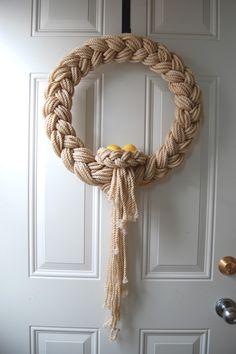 The Knapp Family: Easter Yarn Wreath - Wreath Ideen Rope Crafts, Wreath Crafts, Diy Wreath, Yarn Crafts, Door Wreaths, Diy And Crafts, Arts And Crafts, Yarn Wreaths, Ribbon Wreaths