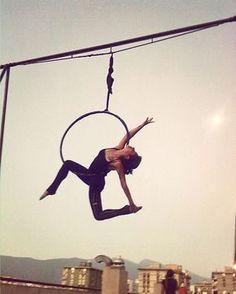 Atardecer.. #aerialhoop #aerialist #sky #moon #aerialgirl
