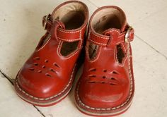 red high top baby   http://shoesgallerryimages.13faqs.com