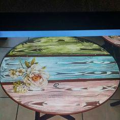 Mesas manera Decoupage Furniture, Decoupage Box, Decoupage Vintage, Hand Painted Furniture, Repurposed Furniture, Diy Furniture, Vitrine Miniature, Picture On Wood, Furniture Restoration
