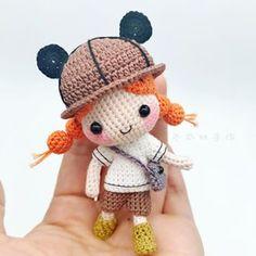 钩针原创 再钩丁上学 换了个深色系 我们家小妞都变成熟了哟喂 Crochet Amigurumi Free Patterns, Crochet Animal Patterns, Stuffed Animal Patterns, Crochet Dolls, Love Crochet, Crochet Baby, Yarn Dolls, Cross Stitch Baby, Crochet Videos