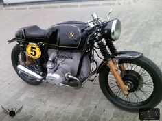 Welcome at Cafe Racers United! This is the place to learn, to be inspired and to enjoy Cafe Racers like this BMW R75 Cafe Racer by Mad Spark Moto