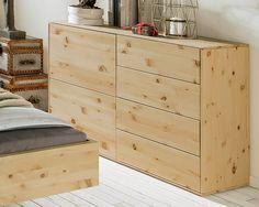 Die Kommode Ist Aus Duftendem, Massivem Zirbenholz Gefertigt. 4 Geräumige  Schubladen Für Viel Platz. Die Perfekte Ergänzung Für Ihr Zirbenholz  Schlafzimmer.