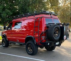 Sportsmobile loaded with Aluminess gear.a real beauty by day or night? Van 4x4, 4x4 Camper Van, Camper Life, Truck Camper, Camper Trailers, Van Conversion Interior, Camper Van Conversion Diy, Lifted Van, Overland Truck