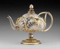 Antique teapot - how divine. I would love to see or know if it is a tea service with coffee pot, sugar and milk jug. JH