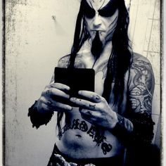 """SOOO SHAGRATH POSTED FROM HIS PERSONAL INSTAGRAM THAT HE WAS """"IN THE STUDIO"""" DAMN STRAIGHT YOU NEED TO BE MAKING ANOTHER DIMMU BORGIR ALBUM! SMH, TAKING SELFIES. I OUGHTTA SLAP THAT MUHFUCKIN' PHONE OUTCHA HANDDDD!"""