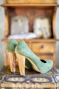 mint and gold bridal shoes | Rachel and Matthew's Beautiful Ballyvolane Wedding by Brosnan Photographic | www.onefabday.com