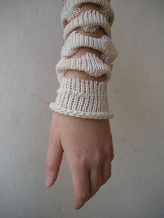 Monofilamento tejido / knitting / monofilament / Ingrid Sauerbrey Larbiou / Diseño textil / Catedra Nirino / UBA / Design