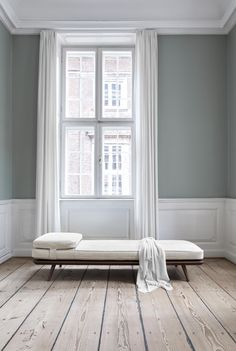Spine Dayed designed by Space Copenhagen. Danish design minimal daybed in a stunning apartment with high ceilings and wooden floors. Style At Home, Chair Design, Furniture Design, Space Copenhagen, Danish Furniture, Furniture Companies, Chair And Ottoman, Scandinavian Interior, Simple House