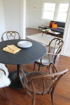 Bentwood Chairs Vintage Mid Century Modern Black Saarinen Tulip Table (docksta  Ikea Table)