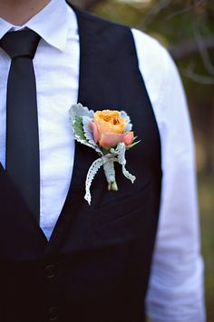 #boutonniere #groom #groomsmen #wedding #blooms #details