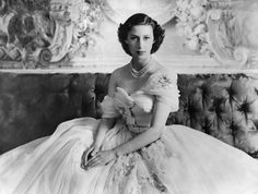 Although we often hear about Queen Elizabeth II, her sister Princess Margaret should not be forgotten. Margaret Rose, Cow Girl, Queen's Sister, Dior Gown, Isabel Ii, Royal Life, Queen Mother, Snowdonia, The Crown