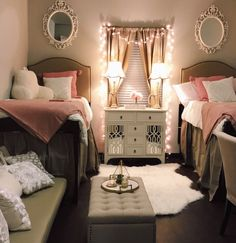 Glam Dorm Rooms That You Need To Copy College Dorm Room Ideas Copy dorm Glam rooms Girl Dorms, Dorm Room Designs, Cute Dorm Rooms, Girl Dorm Rooms, Dorm Room Ideas For Girls, Preppy Dorm Room, Kids Room, College Dorm Decorations, College Dorm Rooms