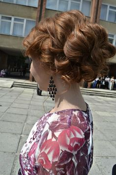 Easy curly prom updo
