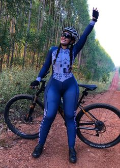 Bicycle Women, Bicycle Girl, Girl Train, Dear Daughter, Female Cyclist, Pedal, Cycling Girls, Sporty Girls, Curvy Girl Fashion