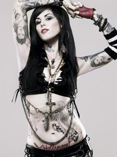I hate Kat Von Dee... I hate her. She gives an unreal representation of female tattoo artists