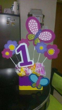 Butterfly Birthday Party, Baby Birthday, 1st Birthday Parties, Daisy Duck Party, Butterfly Centerpieces, Fancy Nancy, Camping Crafts, Creative Gifts, Birthday Decorations