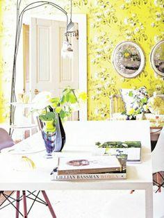 papier peint style anglais dans la salle de séjour