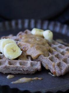 vegan salted caramel waffles (sugar free)