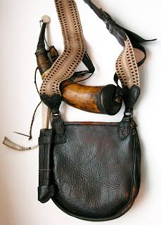 Contemporary Makers: Gary Birch Bag and Horn for Hayden Allen - Real Time - Diet, Exercise, Fitness, Finance You for Healthy articles ideas Shooting Bags, Pioneer Clothing, Flintlock Rifle, Powder Horn, Longhunter, Medicine Bag, Mountain Man, Leather Projects, Guns And Ammo