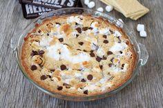 S'mores Pie on Tasty Kitchen Sweet Desserts, Just Desserts, Delicious Desserts, Yummy Food, Pie Recipes, Dessert Recipes, Yummy Treats, Sweet Treats, Smores Pie