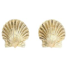 Preowned Tiffany & Co. Schlumberger Gold Shell Earrings ($2,650) ❤ liked on Polyvore featuring jewelry, earrings, multiple, 18k earrings, gold seashell earrings, 18k gold jewelry, shell earrings and gold shell earrings