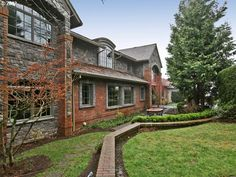 Gracious estate home in Portland's West Hills
