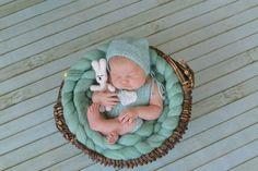 Этот милый и нежный костюмчик доступен теперь для заказ в цвете молодой фисташки. Подробности и условия заказа можно уточнить по т.8-926-556 26-37 _____________________________________ #newbornaccessories #newborn #knittingprops #photoprops #newbornphoto #props #newbornprops #best_newborn_photo #knitting #вязание #фотореквизит #аксессуарыдляноворожденных #реквизитдляфотосессии #юлинывязанки #одеждадляноворожденного #фотомалыша #фотографноворожденных #newbornphotographer…