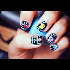 I love this look in Nailspiration and the real-time beauty trends happening now at Bloom.com
