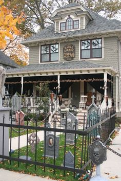 this ladys entire blog is incredible especially her halloween decorations - Cemetery Halloween Decorations