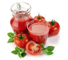 Cà chua – thực phẩm chống lại nắng nóng hiệu quả. Các bạn sẽ bất ngờ khi cà chua là một trong những thực phẩm chống lại nắng nóng hiệu quả nhất! Các nghiên cứu cho thấy cà chua, một loại rau quả giàu chất chống ôxy hóa và lycopene, có thể là vũ khí chống tia tử ngoại hiệu quả, giúp giảm thiểu những tổn thương trên da do các tia UV gây ra.