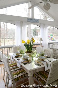 Between Naps on the Porch | Springtime Table with a Daffodil Centerpiece | http://betweennapsontheporch.net