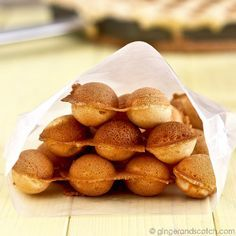 Hong Kong Egg Waffles or Eggettes (Gai Daan Jai) - the one I've tried and like that uses custard powder